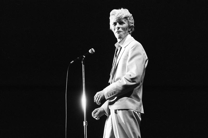An image of David Bowie in the early 1960s